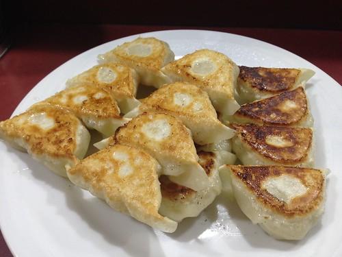 fukuoka-hakata-yatai-takechan-pan-fride-dumpling01