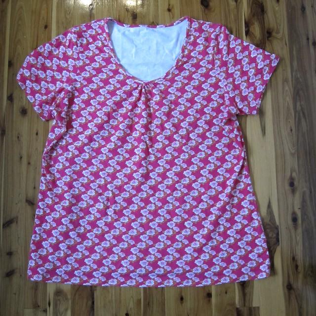 Otto 02/07 #4 Rose print tshirt