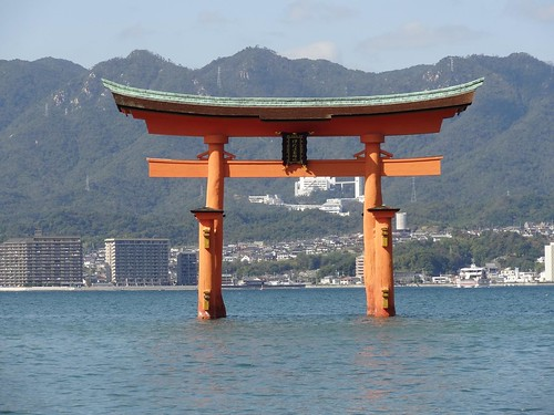 Miyajima's Otorii by girl from finito