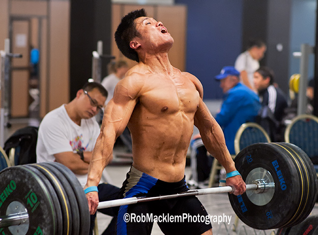 LU Xiaojun CHN 77kg doing snatch pulls