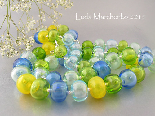Hollow lampwork beads