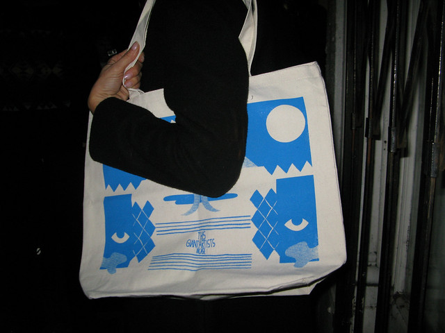 this la_giant artists_incase tote bag
