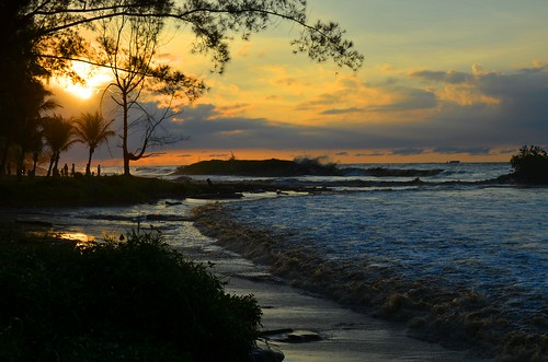 blue sunset orange beach nature water dusk tide wave sarawak malaysia borneo bintulu sarawakborneo