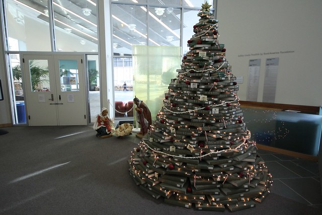 2011 NUC Christmas Tree 6