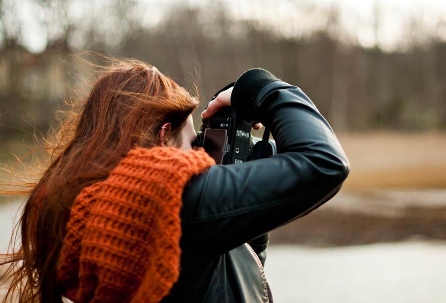 Elina taking photo 1/3