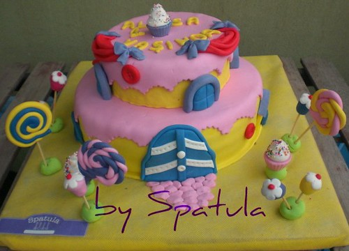 Kız çocuklarına Ev temalı Pasta by Demetin spatulasi