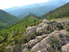 Plateau du Niffru : la crête vers le Sud et le rocher caractéristique