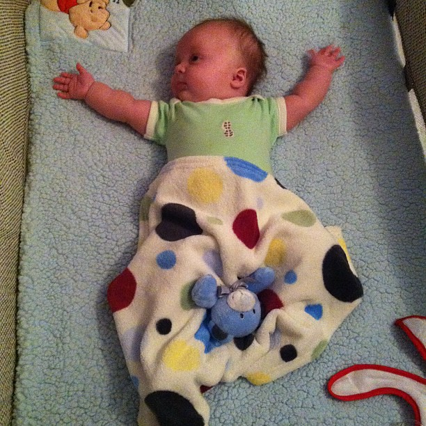 Baby Maddex is doing the YMCA! #hourlyphoto