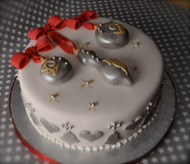 Christmas bauble cake Flickr - Photo Sharing!