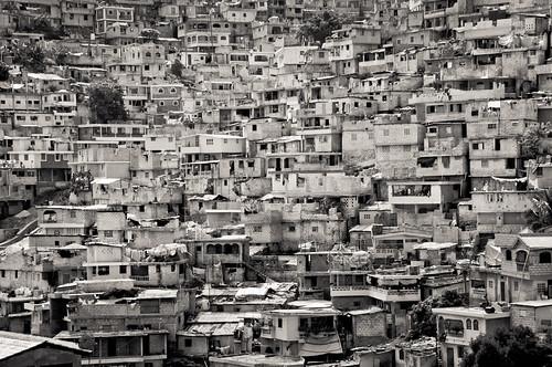 houses homes bw monochrome haiti nikon hill nikkor 18200 portauprince petionville d300s petterphoto