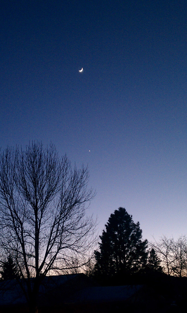Venus and the Moon, looking pretty - Bad Astronomy : Bad