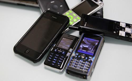 沢山の携帯電話