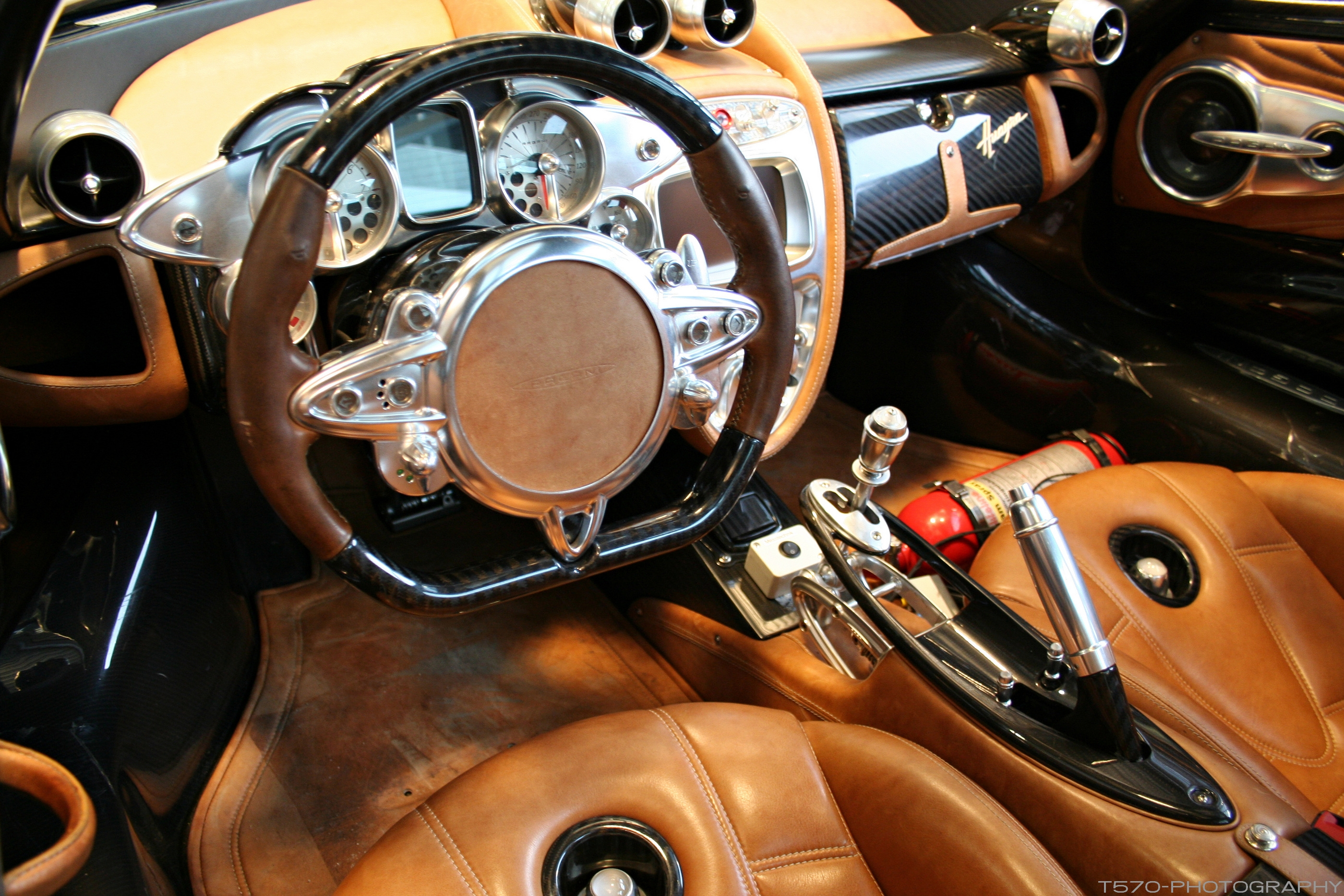 pagani huayra interior autos post. Black Bedroom Furniture Sets. Home Design Ideas