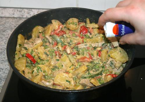 36 - Mit Salz & Pfeffer abschmecken / tasting with salt & pepper
