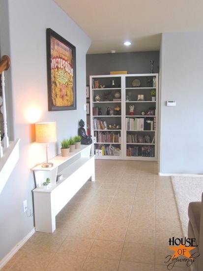 sofa_table_wall_living_room_hoh_04