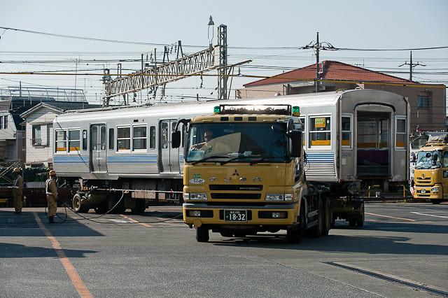 京王電鉄井の頭線 3000系 3028F デハ3128-デハ3078搬出