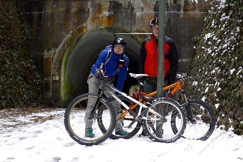 jinken&Yamasan スノーライド的な裏山遊び。