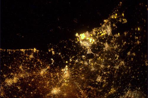 Vannacht 05:30. Midden/west/zuid NL. Het is wel duidelijk waar je wel en geen mooie sterrenhemel kunt zien...