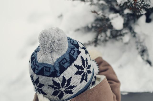 hat + snow