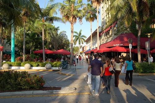 Miami Beach (by: digitalkunde, creative commons license)