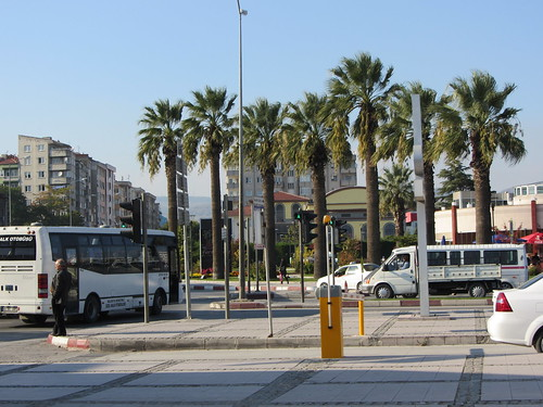 Balikesir: Square in front of the train station (8)