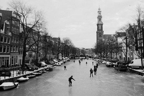Canal ice skating - Amsterdam