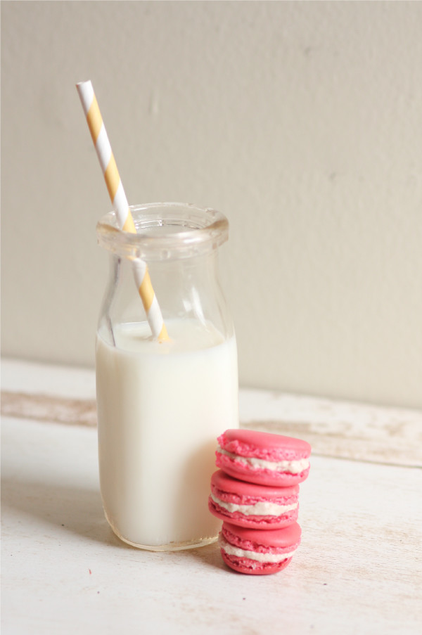 milk+macaron