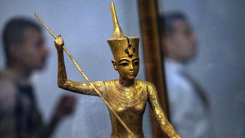 Statue-of-pharaoh-Tutankhamons-sister-recovered-615x345