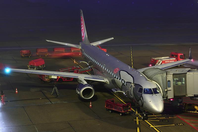 Niki - E190 - OE-IHA (1)
