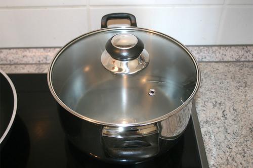20 - Wasser für Nudeln aufsetzen / Set up water for noodles