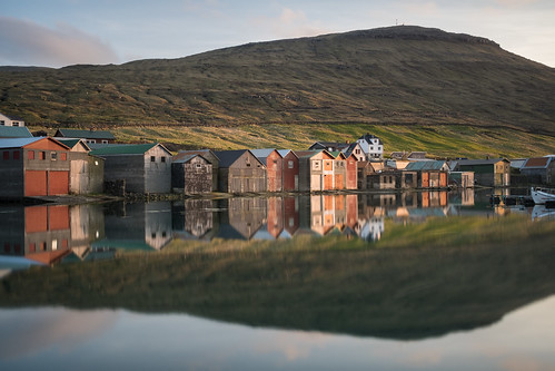 travel sunset sea mountains reflection village cottage fisher colourful fo faroeislands sørvágur vágar fujixpro2 fujinonxf23mmf14r