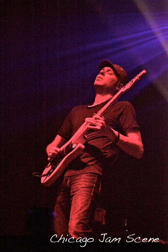 11.25.11 Umphrey's McGee and Beats Antique at Aragon Ballroom-37