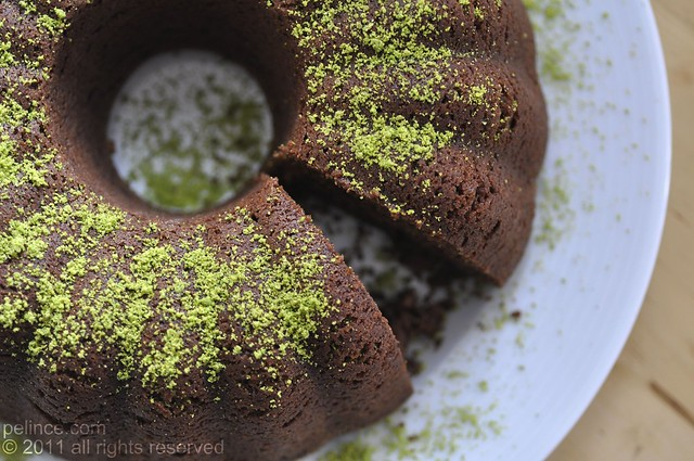 Çikolatalı ve Fıstıklı Kek