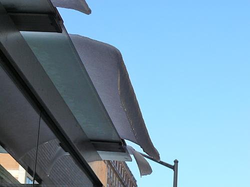 glace sur le toit.jpg