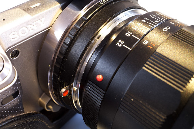 Samsung NX200 Sony 30mm f/2.8 Macro (Sony a-mount) Novoflex Sony a-mount > Samsung NX adapter