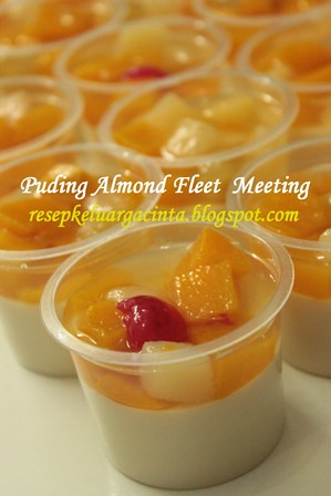 Puding Almond & Fruit Cocktails