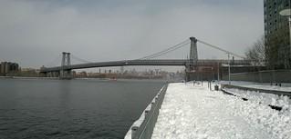 Die schwebende Brücke, das himmlische Blau, das Panorama 104985