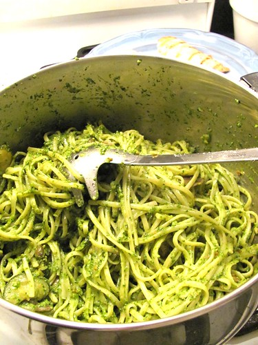 Almond, Spinach and Parsley Pesto