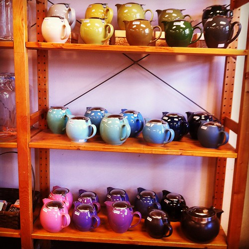 pretty display of teapots--love!