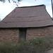 Stone and mud wall house - Casita de paredes de piedra y lodo; San Juan Elotepec (al noroeste de Sola de Vega, Región Mixteca), Oaxaca, Mexico por Lon&Queta
