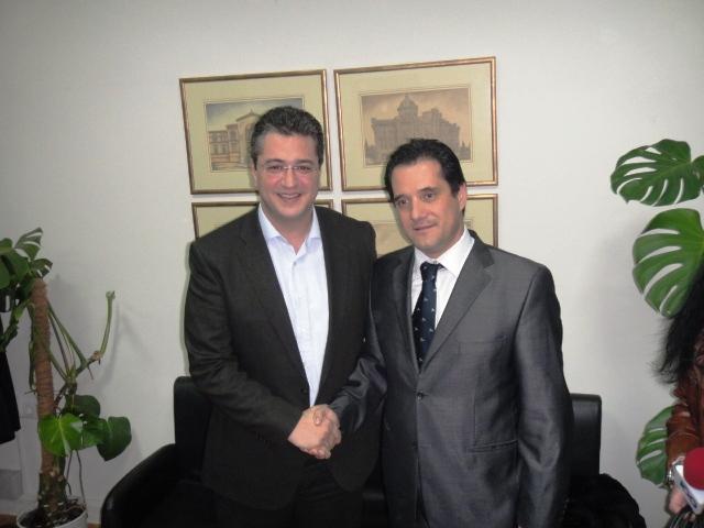 Ο Υφυπουργός Ανάπτυξης, Ανταγωνιστικότητας και Ναυτιλίας Άδωνις Γεωργιάδης με τον Αντιπεριφερειάρχη Θεσσαλονίκης Απόστολο Τζιτζικώστα (3)