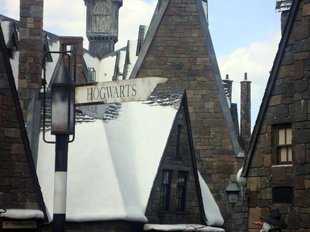 Cartel señalizando que ya estamos en Hogwarts navidades en hogwarts, donde habita la magia - 6550391241 54e3a5dd75 o - Navidades en Hogwarts, donde habita la magia