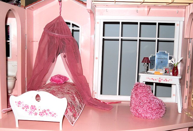 Barbie dream house bedroom flickr photo sharing for Barbie dream house bedroom