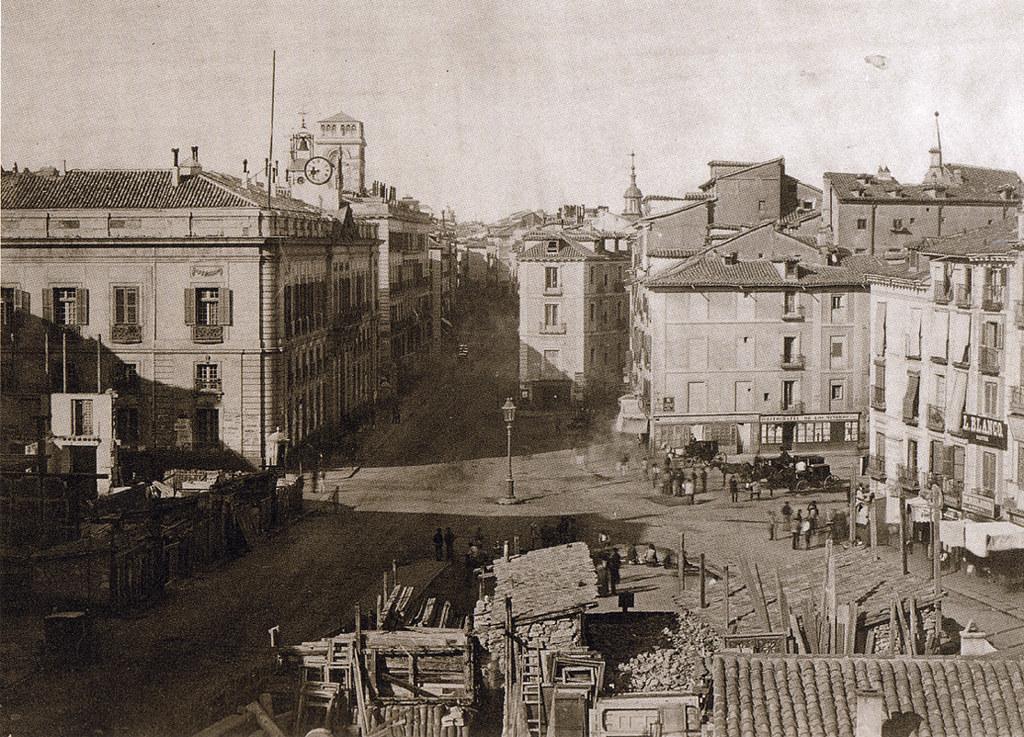 Puerta del sol madrid 1857 flickr photo sharing for La puerta del sol