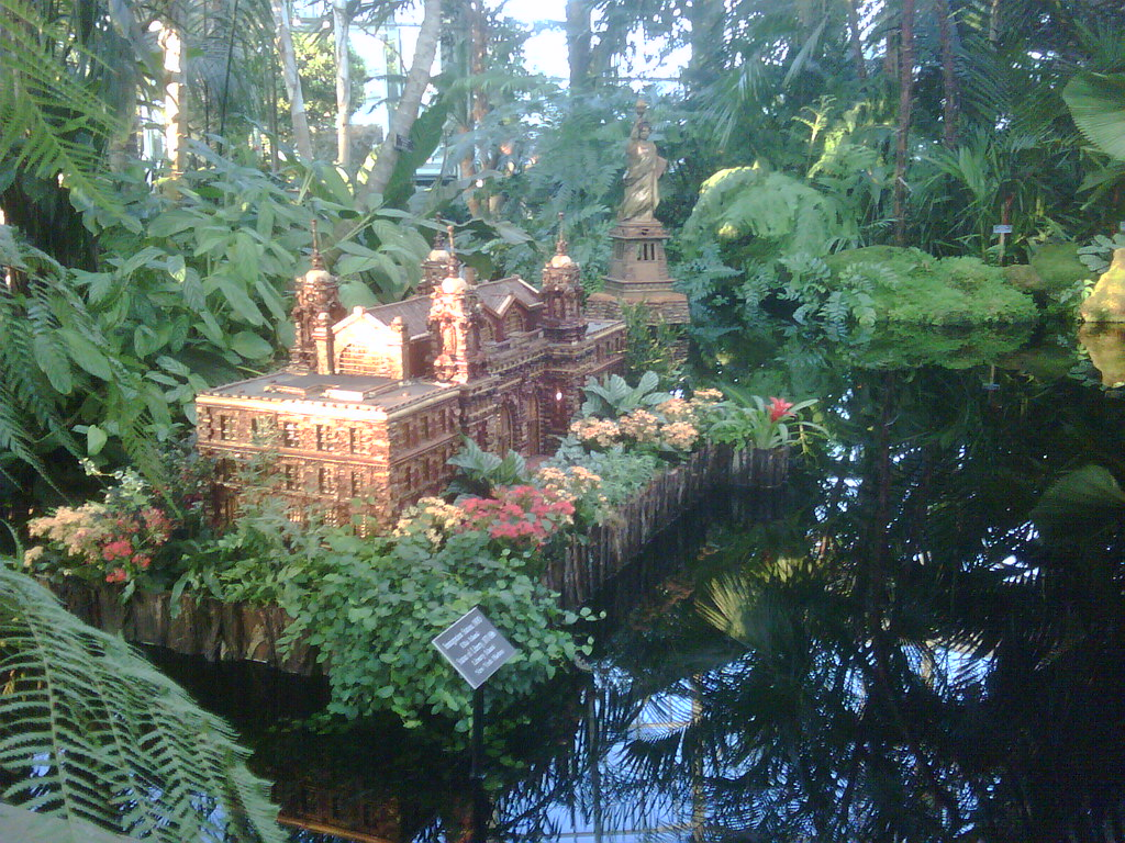 Bronx Botanical Garden Holiday Show Ellis Is Model A