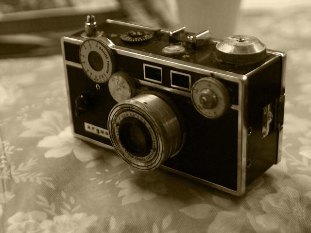 argus c1 35mm camera 1958 taken with a nikon 24mm f2 8 o flickr photo sharing. Black Bedroom Furniture Sets. Home Design Ideas