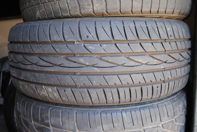 have a pair of 215/50/17 falken tires for sale. one has about 70% ...