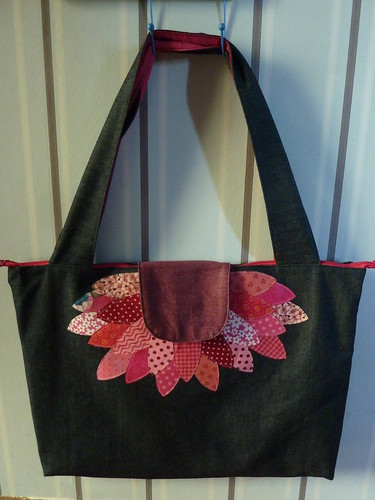 Big Flower Bag by -Vivie-