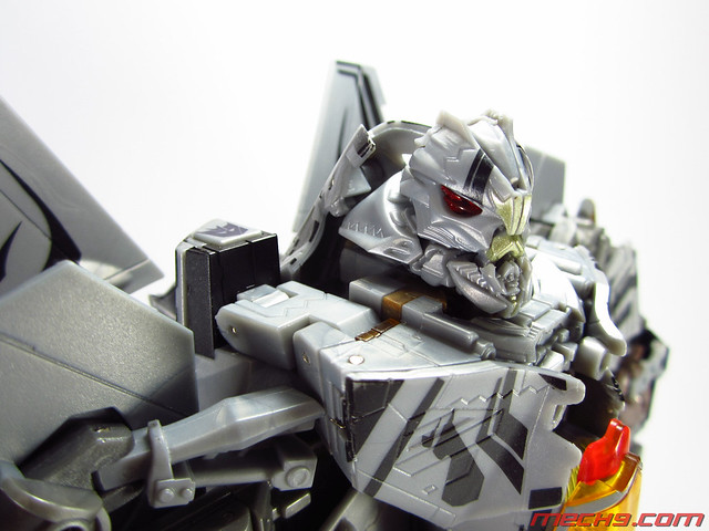 Leader Class Starscream : Robot Mode