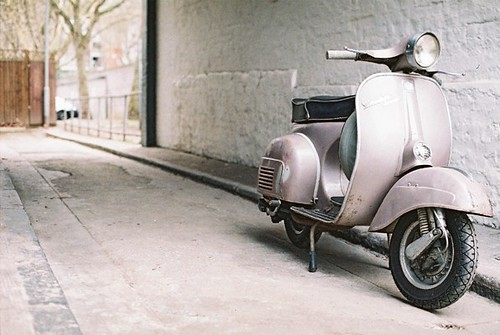 vespa on white  by Vespamore !